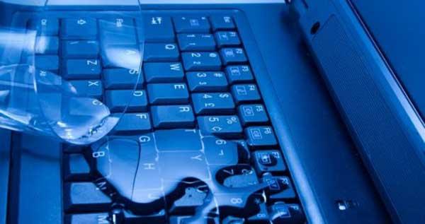 اگر روی لپ تاپ آب ریخت چه کار کنیم